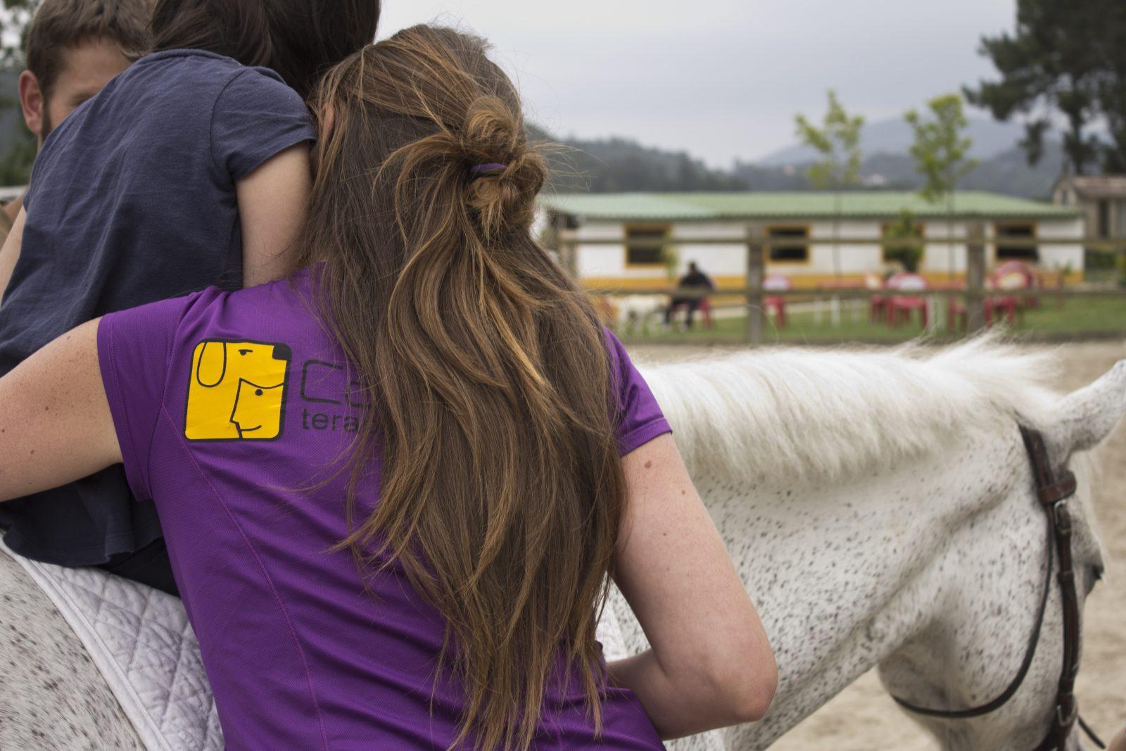 Hipoterapia o Terapia con caballos; una alternativa para la intervención física y psicológica.
